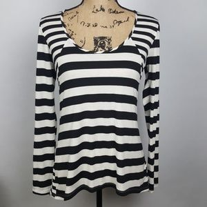 ❤Tart | Long Sleeve Black and White Stripped Top